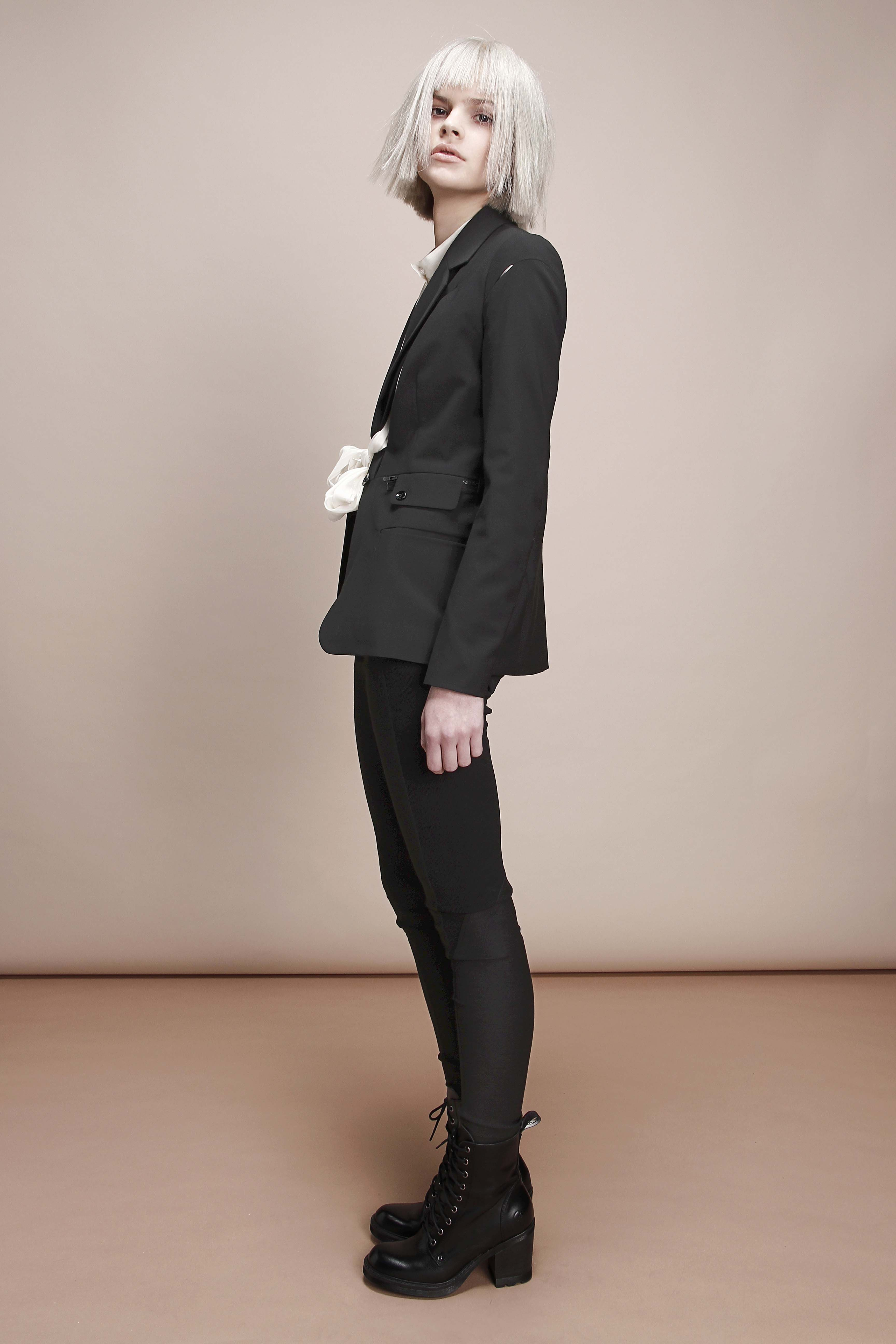 liny blazer /gato skinny / morie shirt