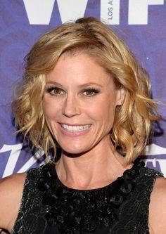 Modern Family Hairstyles Google Search Chin Length Hair Medium Hair Styles Julie Bowen Hair
