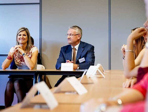 "Queen Maxima attends the lesson of ""Money/Ways"" at the ROC School"