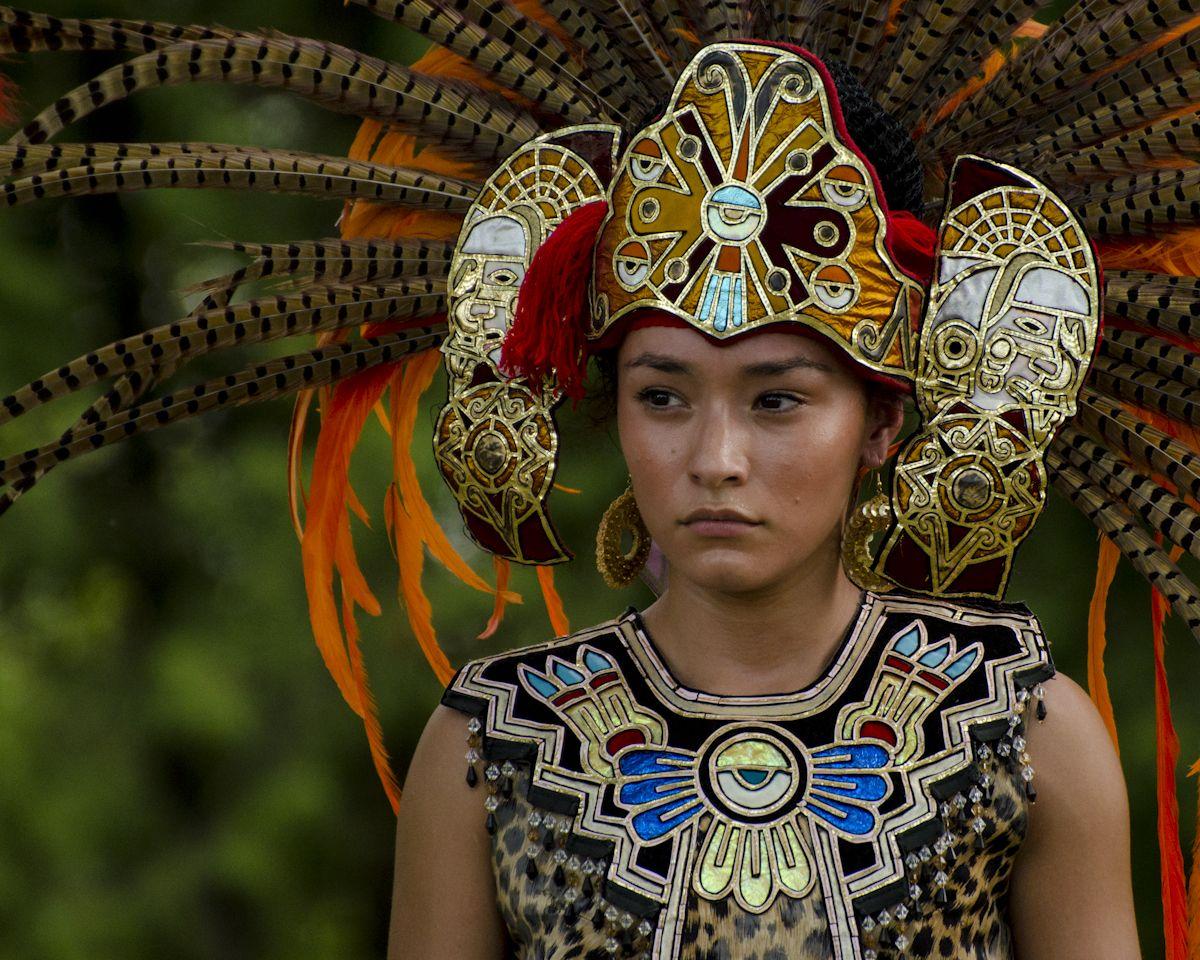 ancient aztec clothing - HD1200×960