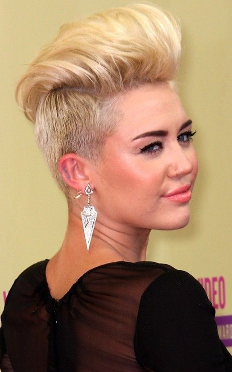 Miley Cyrus Quiff Hairstyles Next Hairstyle Frisuren