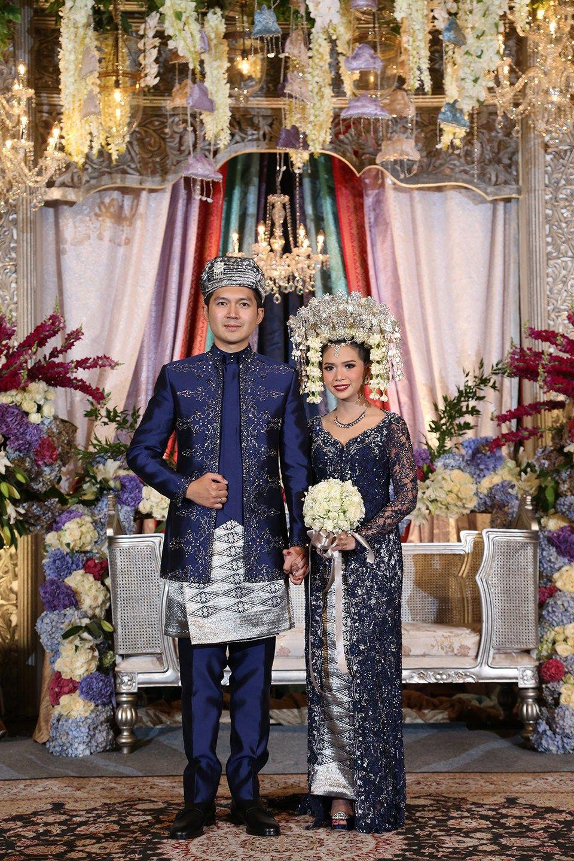 Pernikahan dengan Adat Minang dan Jawa ala Sasha dan Harris