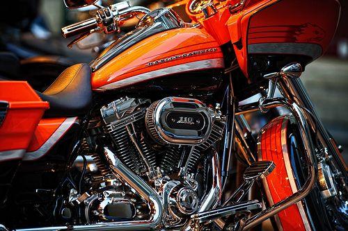 Harley, color...