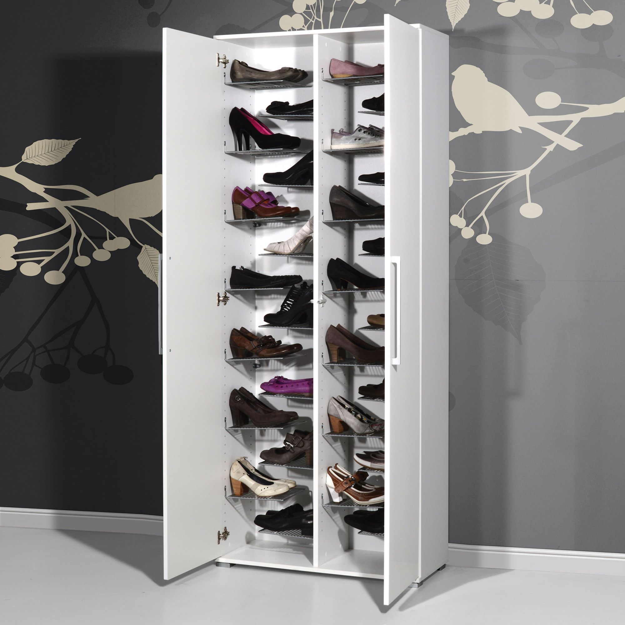 impressionnant meuble chaussures grande capacit. Black Bedroom Furniture Sets. Home Design Ideas