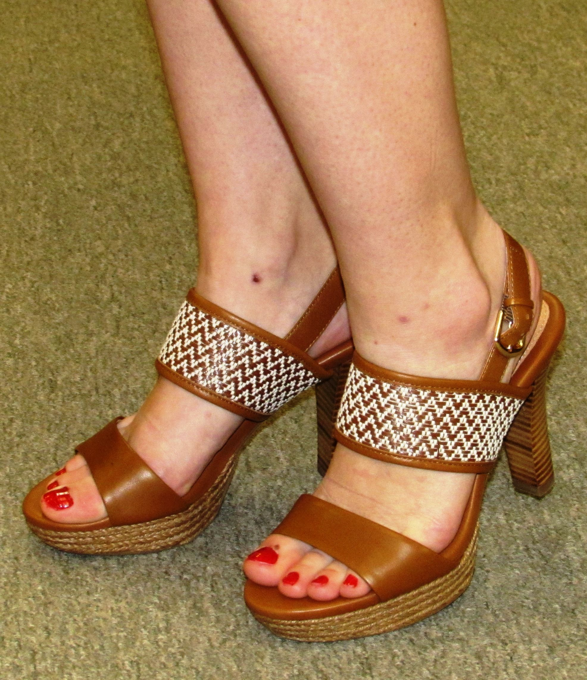 Shoes; Sandals; Slippers; Flat Shoes; High Heels