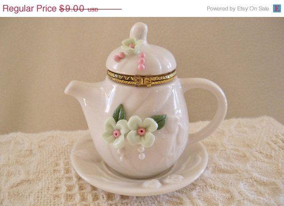 Vintage Porcelain Teapot Hinged Trinket Box.