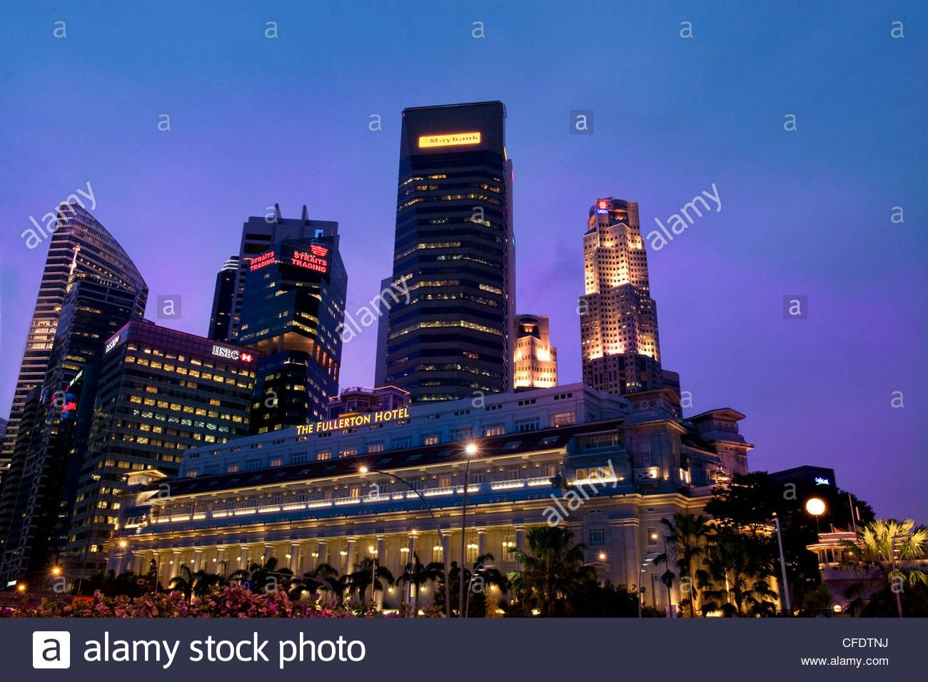Https Www Alamy Com Stock Photo Skyline Of The Banking District Of Singapore With Fullerton Hotel 43945374 Html Pv 1