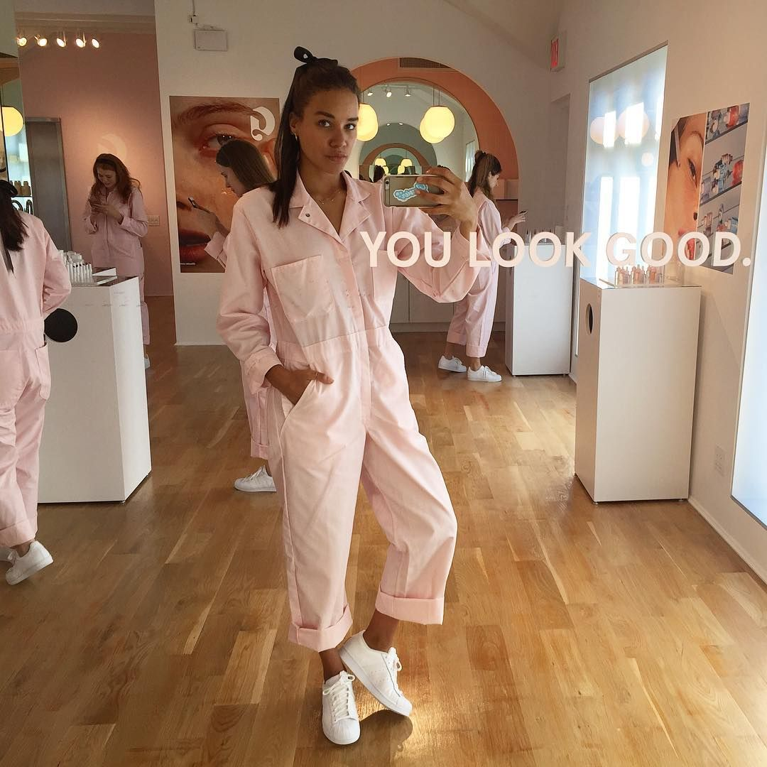 444ca3d2b76 Glossier Opens Their First Store - Glossier Beauty Showroom in NYC ...