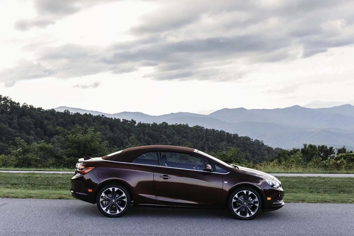 The 2019 Buick Cascada Convertible Is A Stylish Luxury Convertible With Seating For Four And Comes In The Post 2019 Buick Casc Buick Cascada Buick Convertible