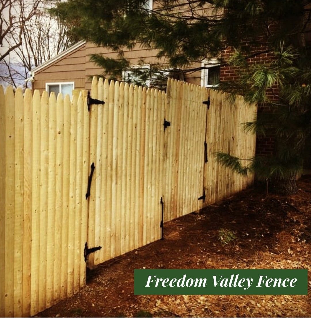 Cedar Stockade Privacy Fence With Gates Mailbox Installation Fence Fence Gate