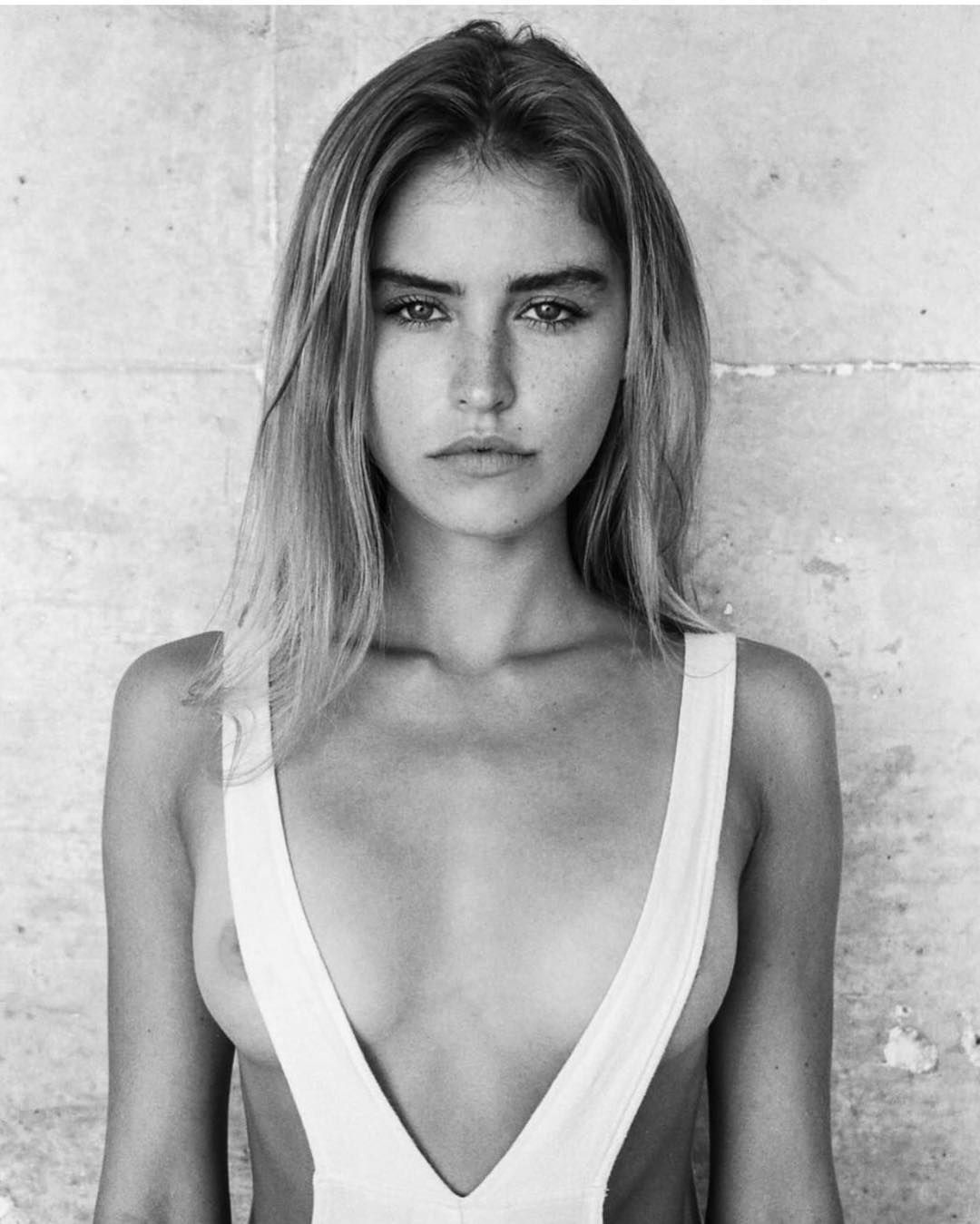 Blair Sinnott Nude Photos 62