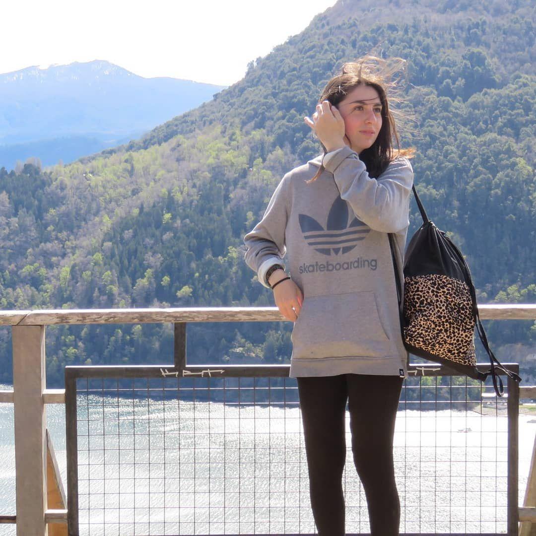 Lo que siempre quise  Las montañas el cielo y el viento     #instamoment #instalike #me #girl #woman #travel...