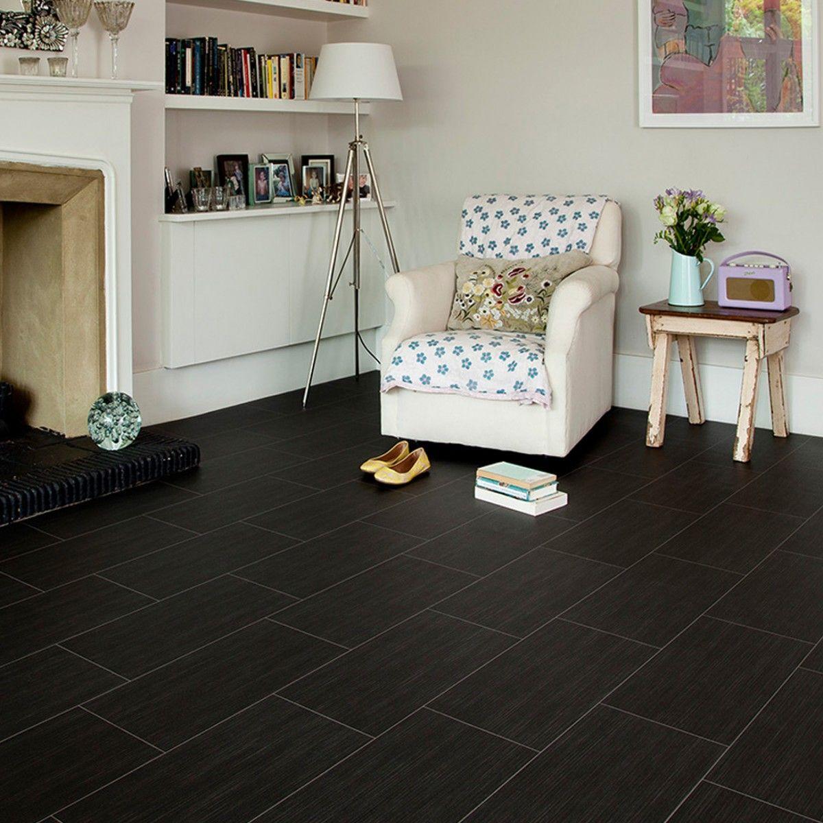 A great vinyl flooring that can endure heavy foot traffic