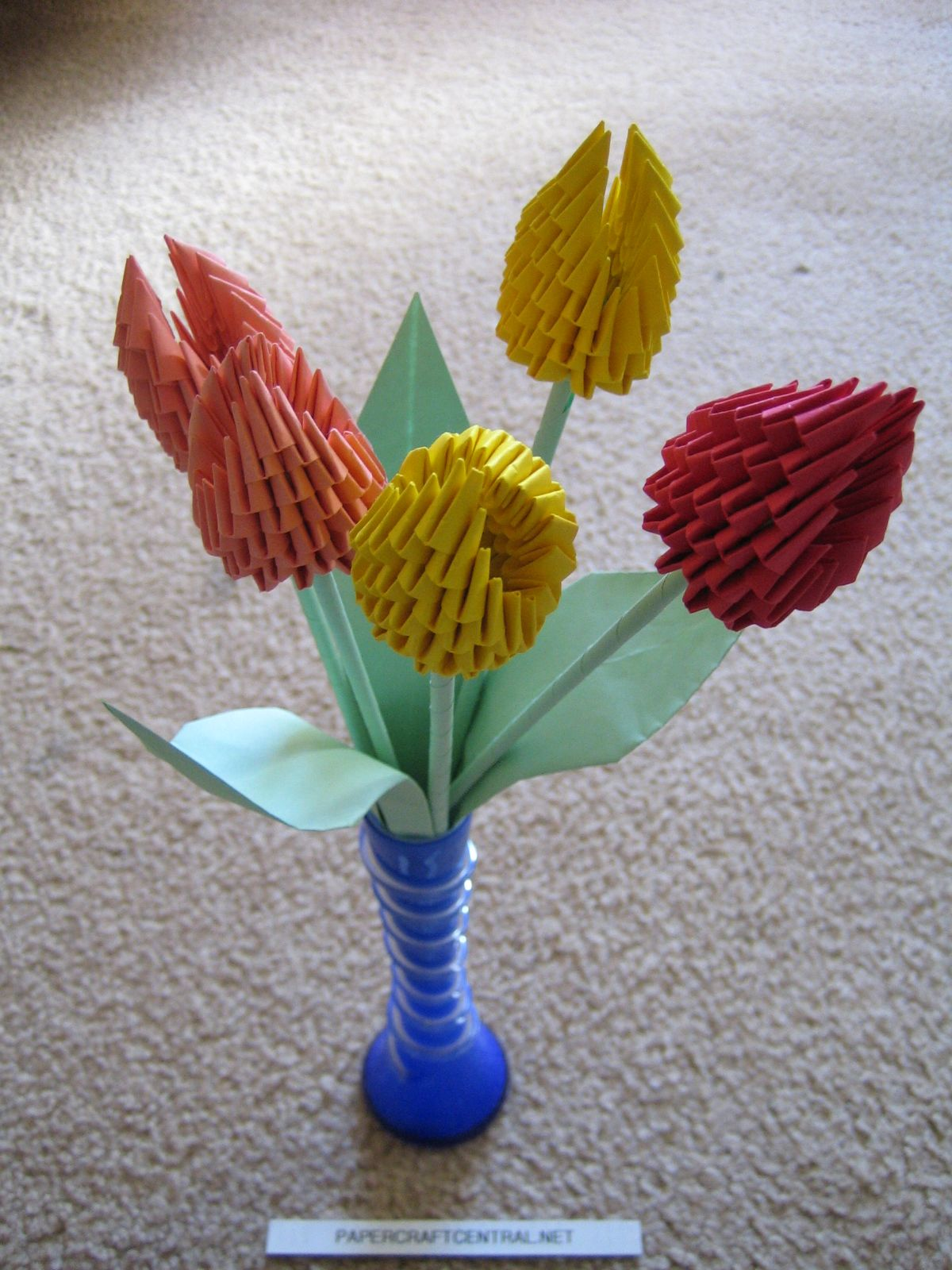 3D Origami - Tulip Bulbs | Might Actually Make This ... - photo#23