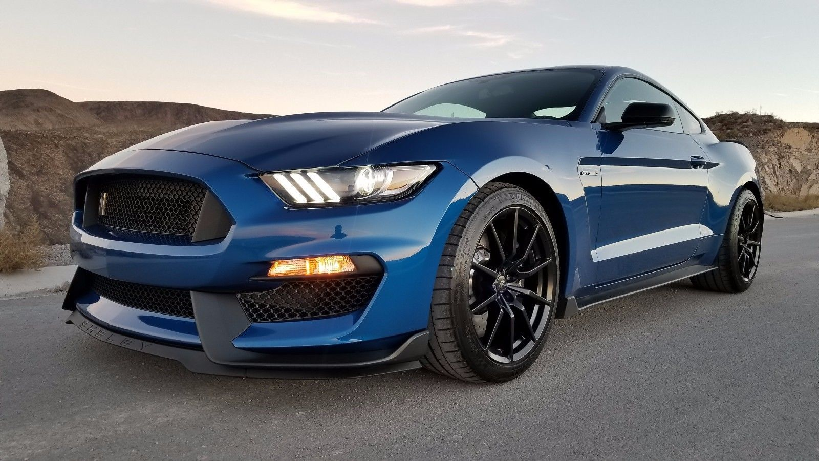 Cool Great 2017 Ford Mustang Gt 350 Shelby Less Than 600 Miles Near Brand New 2018