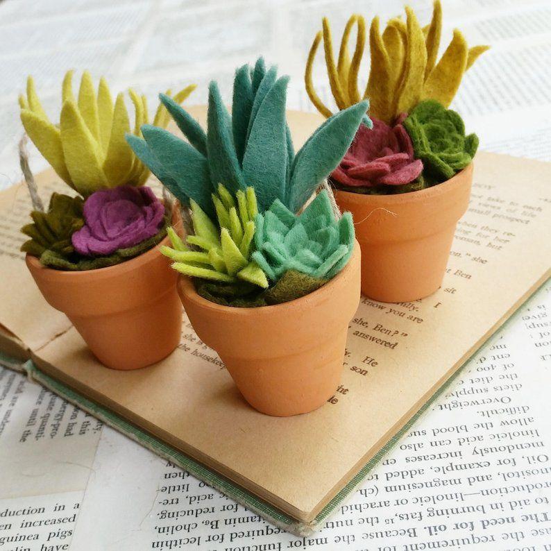 Tiny Felt Succulents In A Clay Pot Teacher Gift Hostess Etsy Felt Succulents Felt Flowers Felt Flowers Diy