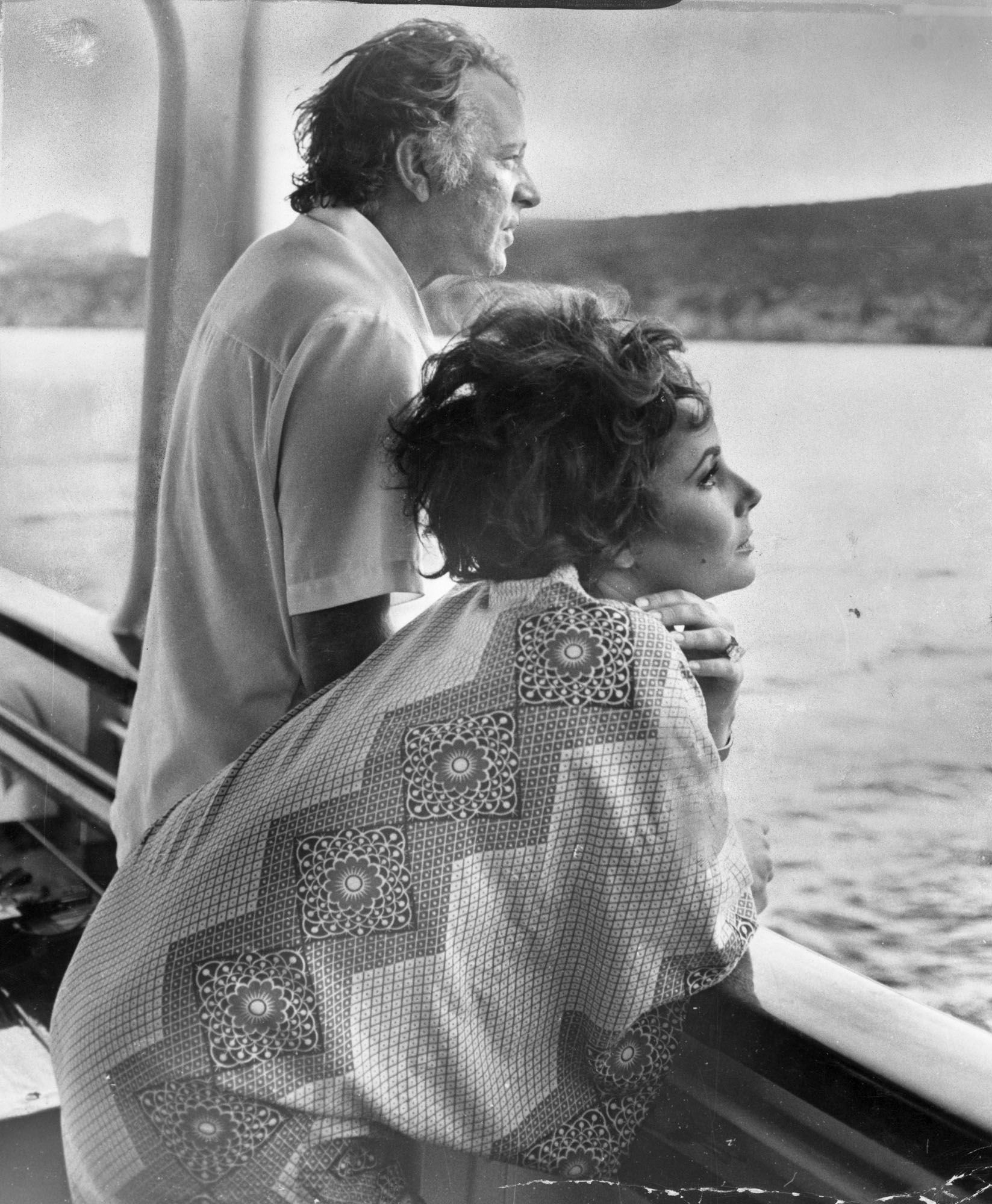 Elizabeth Taylor Spent A Lot Of Time On Yachts In 2020 Elizabeth Taylor Richard Burton Elizabeth Taylor Burton And Taylor