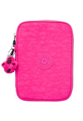 945a79a2c Estojo Kipling Basic Fuchsia Pink rosa, confeccionado em material têxtil.  Tem logo da marca na parte frontal e fecho por zíper. Mede 23cm de largura,  ...