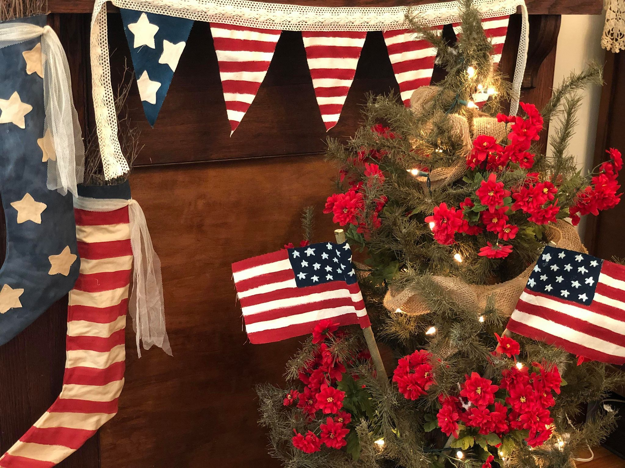 Easy American Flag Diy Lanterns 4th Of July Decorations July Crafts American Flag Diy