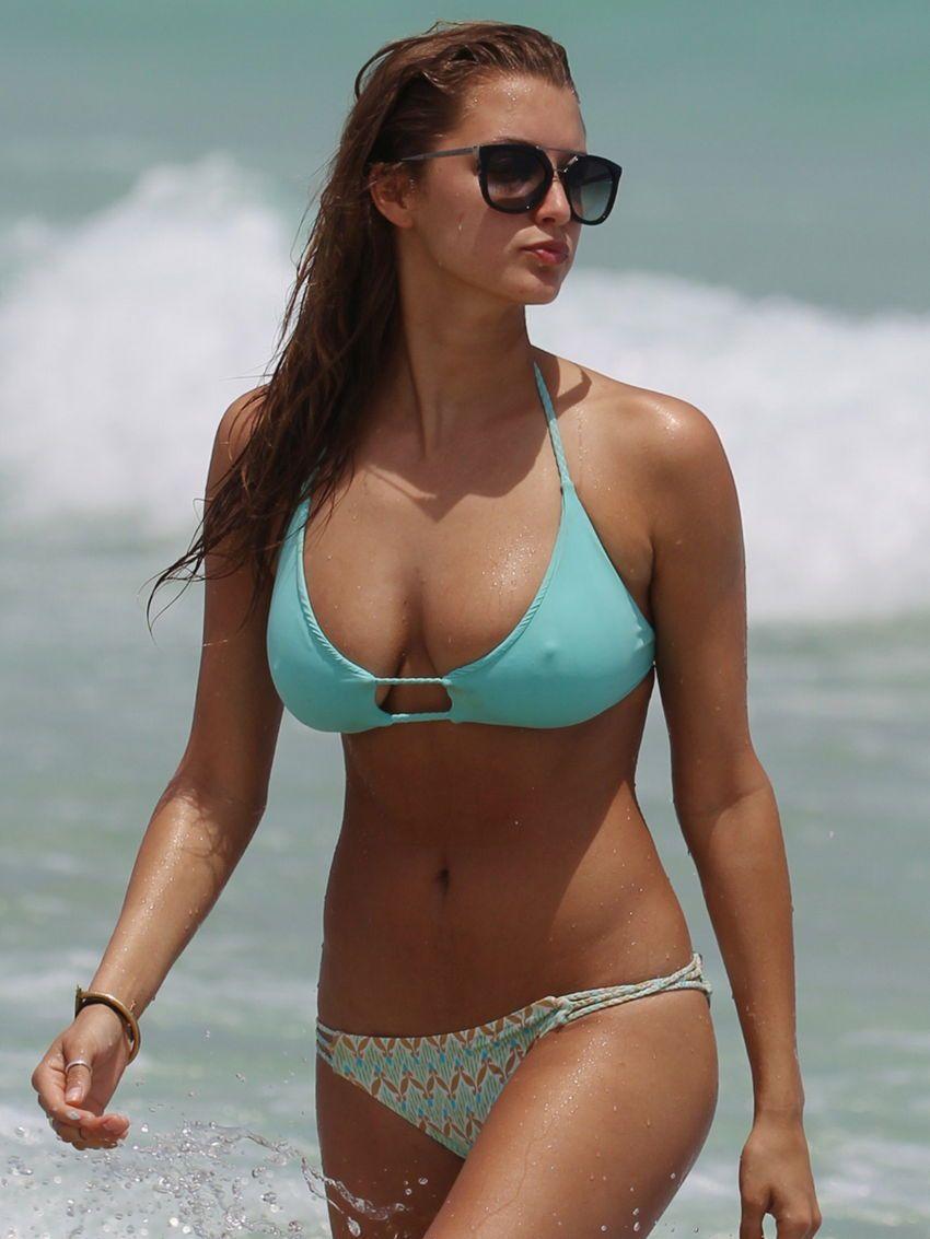 candid bikini pokies