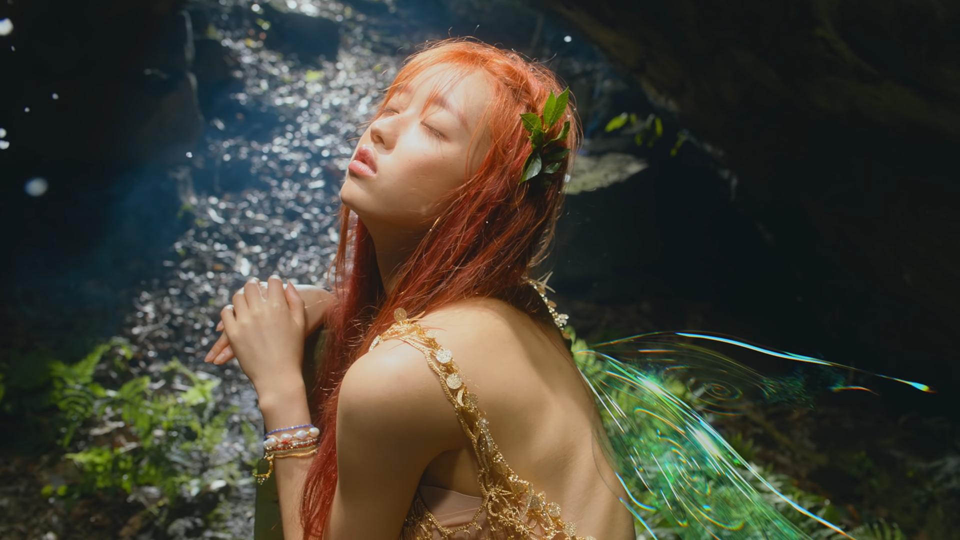 YooA(OH MY GIRL) 1st Mini Album [Bon Voyage] em 2020 | K idols