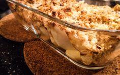 Dette er nok min yndlings kaste-sammen-når-den-søde-tand-melder-sig dessert! Jeg elsker søde, syrlige, saftige, danske, friske æbler – næsten lige så meget som jeg elsker nye danske bær! :-) …