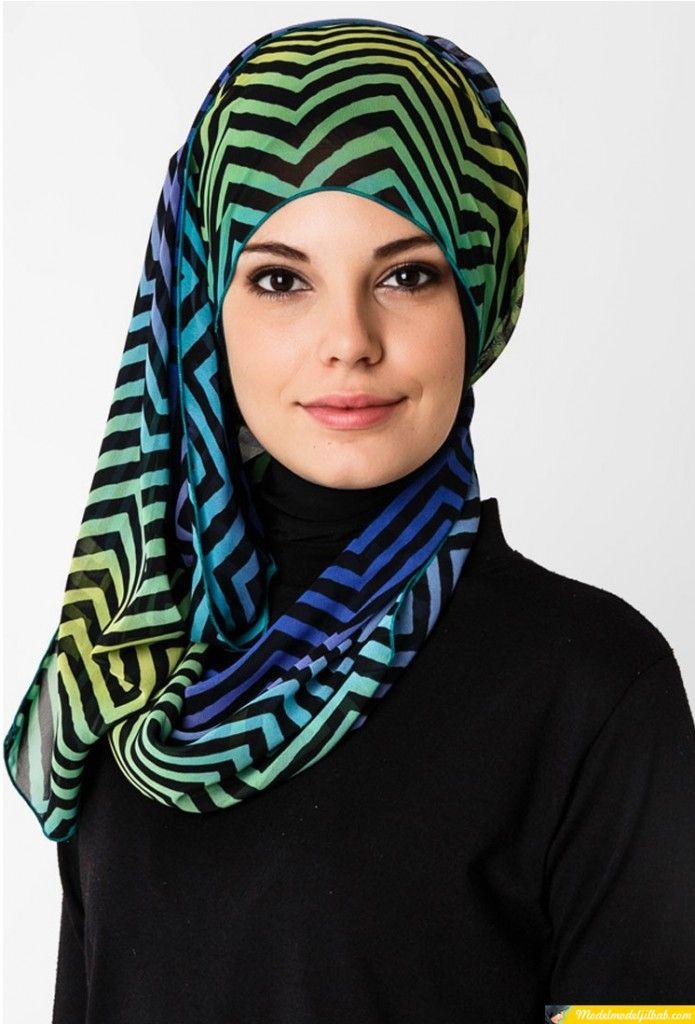jilbab motif zigzag warna biru | Hijab Art | Pinterest