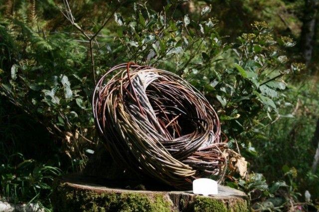 nest f rmige garten deko ideen zum selbermachen flechten. Black Bedroom Furniture Sets. Home Design Ideas