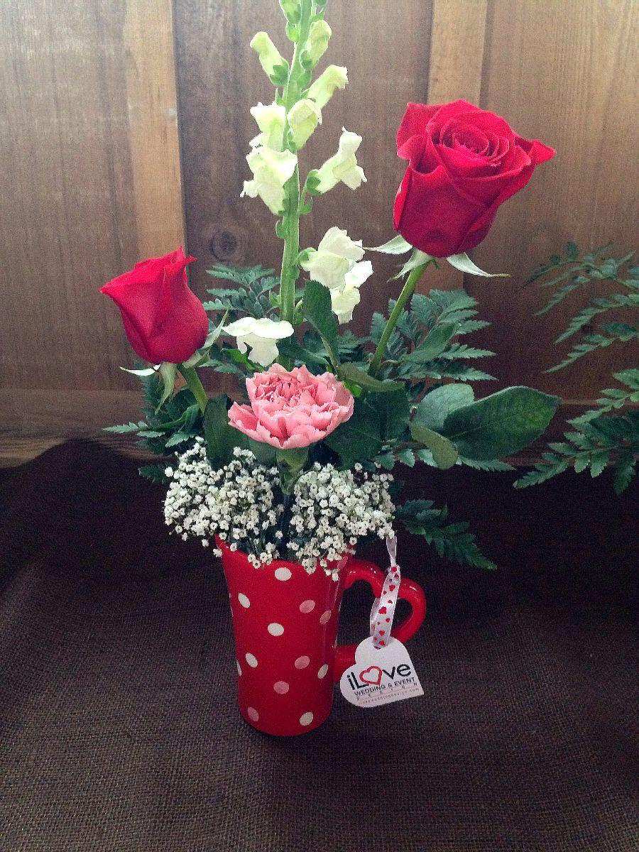 Valentine S Day Coffee Mug Arrangement By Ilove Floral Design Www Ilovefloraldesign Com How To Wrap Flowers Silk Flower Arrangements Floral Arrangements