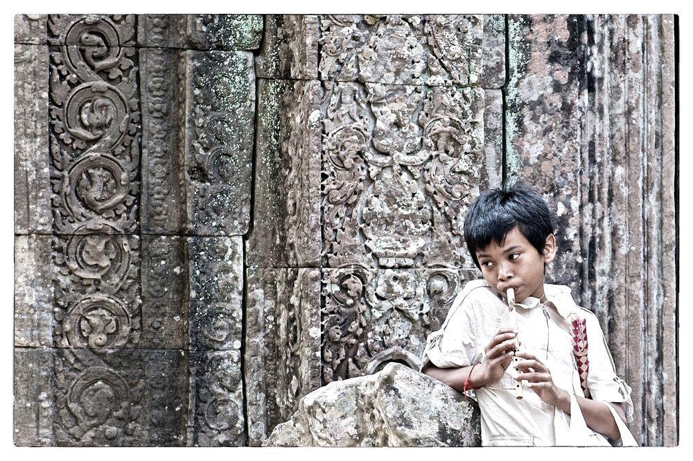 Kinderverkäufer in Banteay Kdei