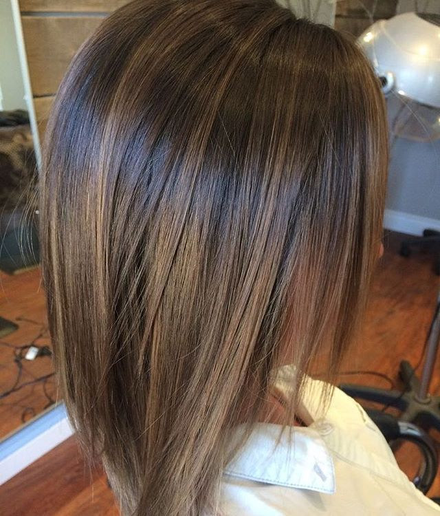 28 Natural-Looking hairstyles : Brunette Balayage Styles #hairstyle #brunette #haircolor
