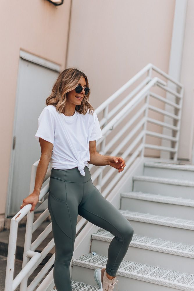 The color of leggings you need right now | Cella Jane