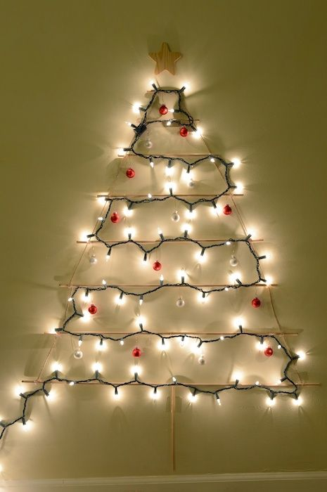 Diy hanging wooden christmas tree great idea for small spaces diy hanging wooden christmas tree great idea for small spaces solutioingenieria Choice Image