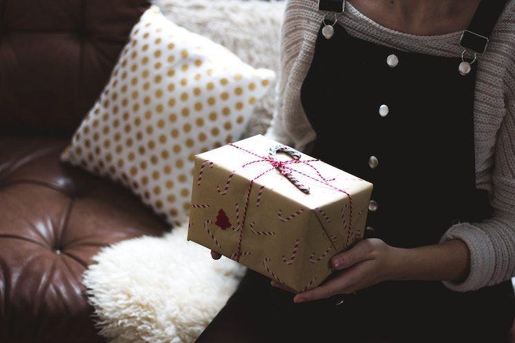 Des emballages cadeaux écolos qui changent du papier journal, ça existe
