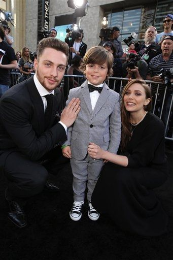 Aaron Taylor Johnson Carson Bolde And Elizabeth Olsen At The
