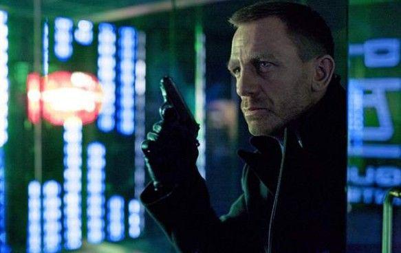 """Incasari uluitoare pentru """"Skyfall""""! James Bond este mai tare decat Spiderman! on http://www.fashionlife.ro"""