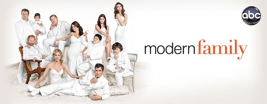 Modern Family Full Episodes And Clips Streaming Online Hulu Modern Family Family Funny Best Shows Ever