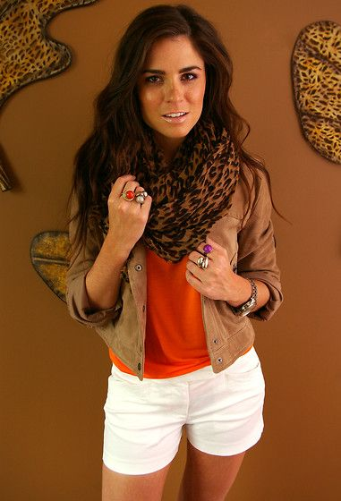 Beautiful colour palette. The scarf makes it, but I would have removed the rings.
