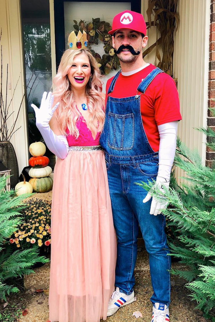 75 Funny Couples Halloween Costume Ideas That'll Win All