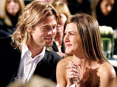 Sorry Brangelina Aniston Pitt Is My Otp Love The Way He S Looking At Her In This P Brad Pitt And Jennifer Brad Pitt Jennifer Aniston Jennifer Aniston Wedding