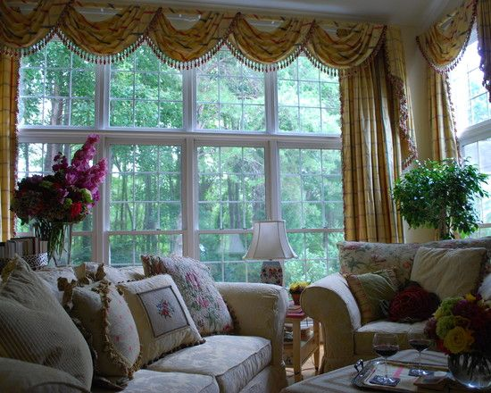 Traditional Living Room Curtain Ideas