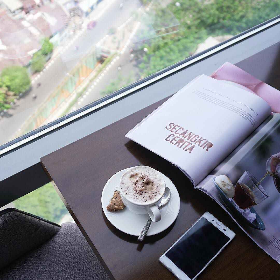 Enhance Your Stay And Get The Advantage Of Private Club Lounge To Do Works Or Connect With Friends By Staying At SheratonGrandJakarta Room