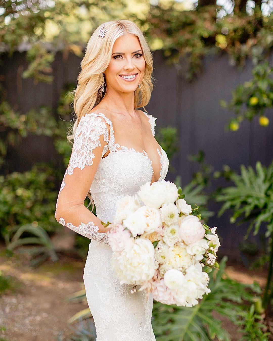 Be Inspired Pr On Instagram Christinaanstead Was Absolutely Glowing On Her Wedding Day And We Can T Help But Love Her Bridal Style That Styledbytc Jennife