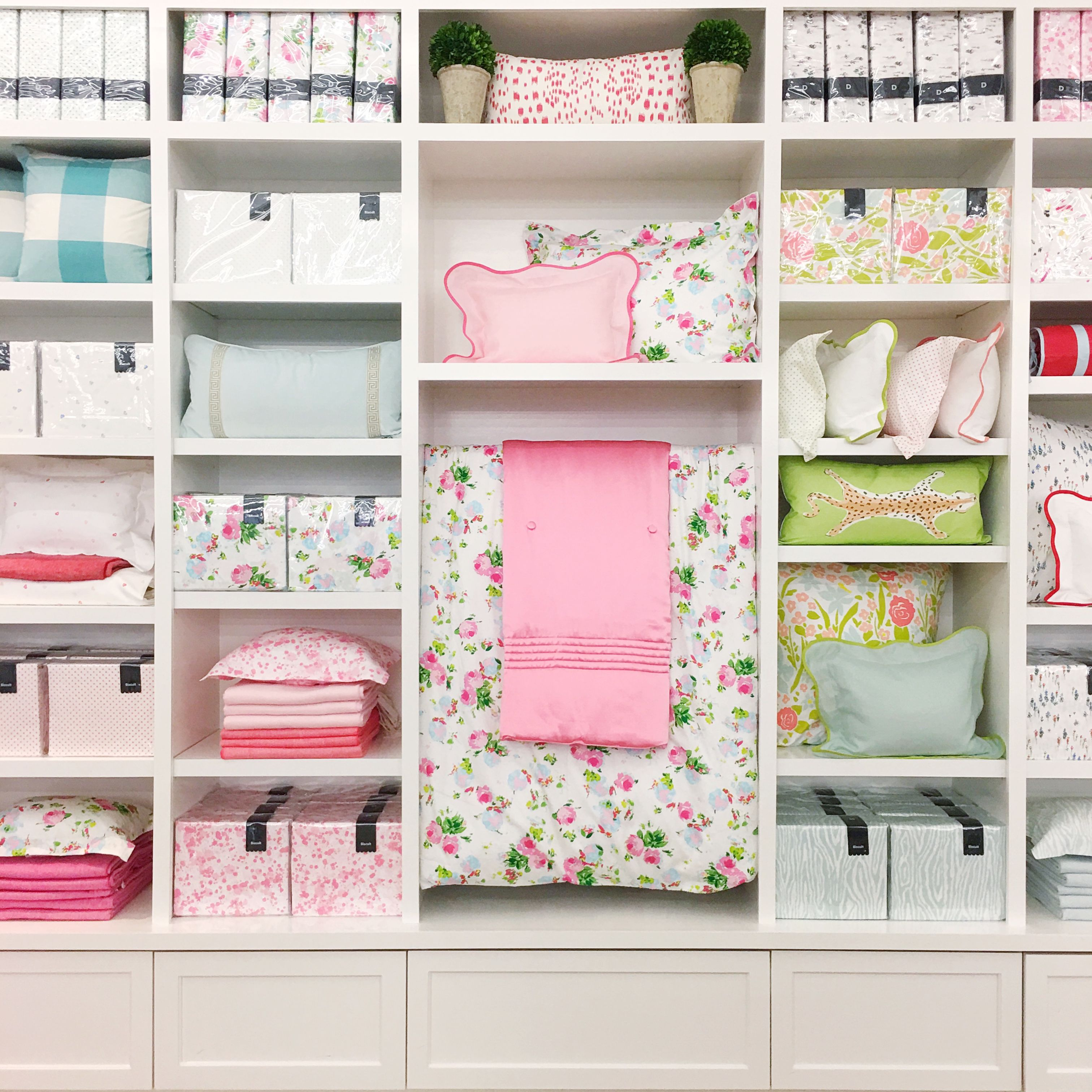 Home Decor Stores Houston Tx: Biscuit Bedding Shop Display In Houston Texas