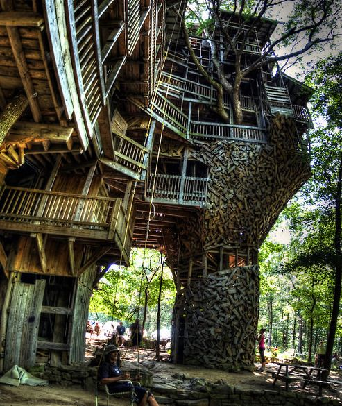 Crossville, Tennessee - The Minister's Treehouse : Started in 1993, and has been being built for 17 years.  One of the largest in the world. #backyardmakeover