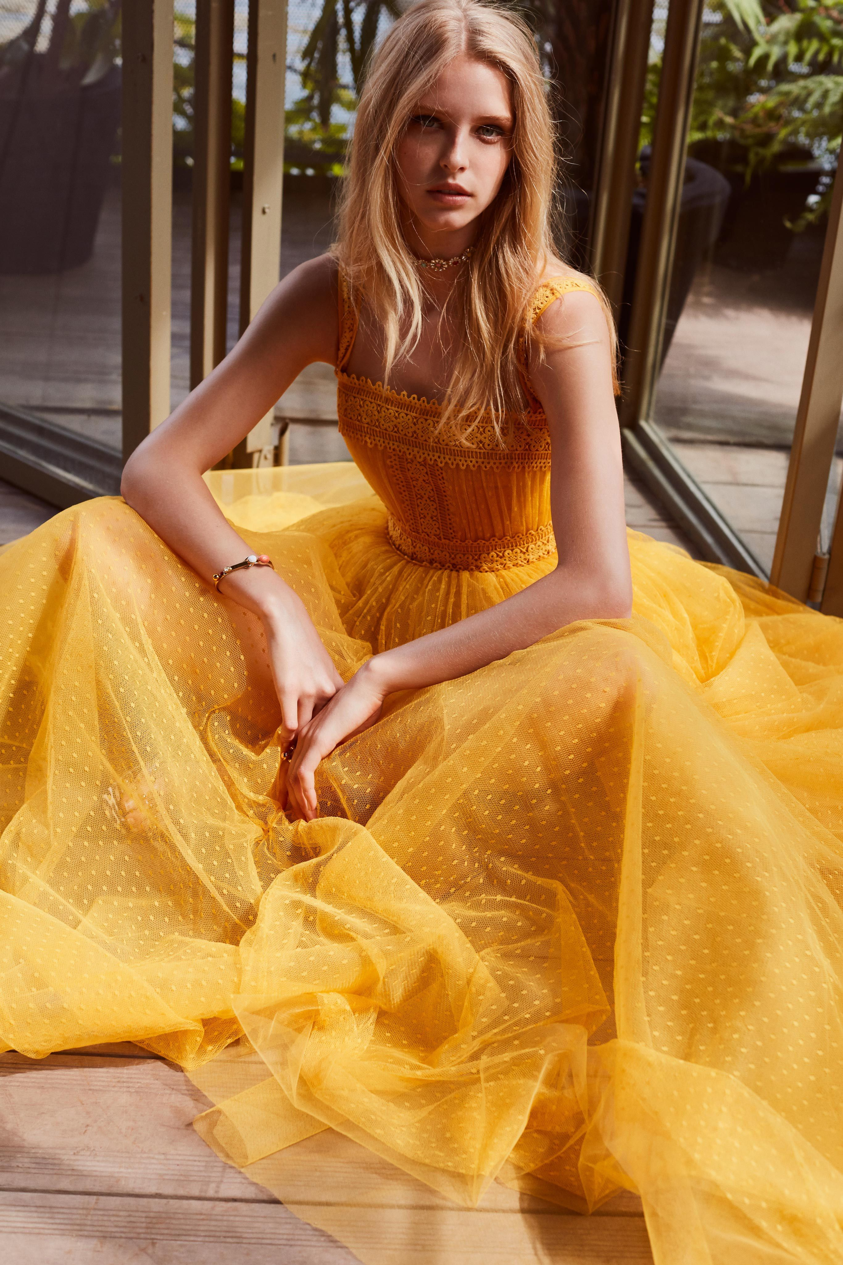 a9d10a0bc549 Elie Saab Resort 2019 Paris Collection - Vogue Μόδα Της Πασαρέλας