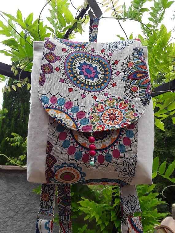 Sac à dos femmes, sac toile de coton écru et tissu imprimé mandala  multicolore, sac bohème, hippie chic 36dc5aeda9e