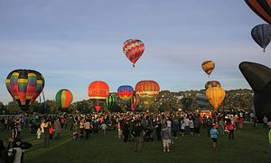 Balloons over Waikato - Hamilton New Zealand - HotAirBalloon.com