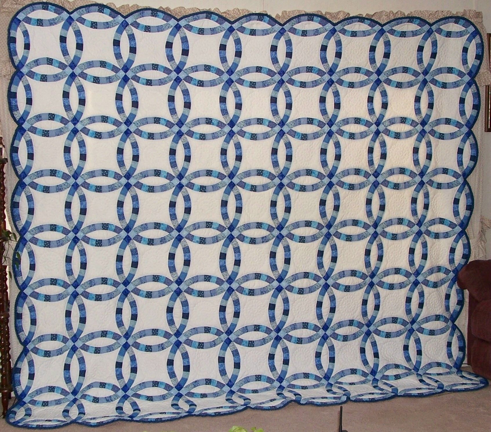 This Is A King Size Double Wedding Ring Quilt I Made That Is Hand Pieced Hand Quilted Double Wedding Ring Quilt Wedding Ring Quilt Quilts