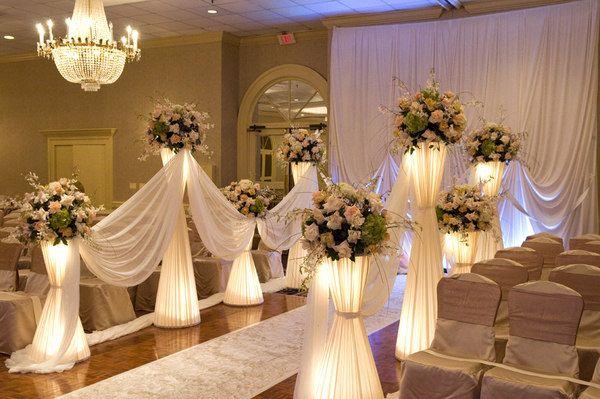 Chocolate and cream wedding theme centerpiece indoor aisle chocolate and cream wedding theme centerpiece indoor aisle flowers ceremony picture junglespirit Choice Image